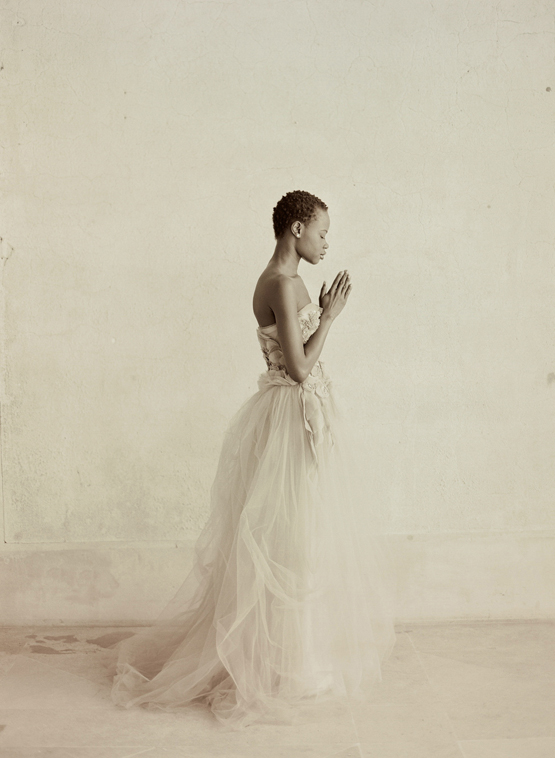 Elizabeth-Messina-sepia-photo-of-bride-with-short-hair